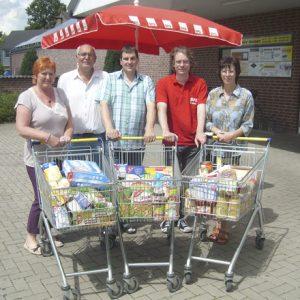 Die Uedemer SPD sammelte wieder Lebensmittelspenden fürs Café Konkret.
