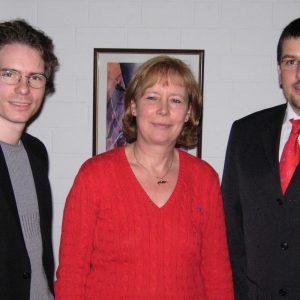 Nach der Wahl am 9. März 2007: Der Ortsvereinsvorsitzende Olaf Plotke (li.) mit seinem neuen Stellvertreter Jürgen Horn und Schriftführerin Anne Landwehr