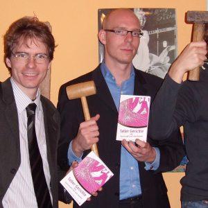 Die Autoren des Buches: Olaf und Jan Plotke und Thorben Klausa