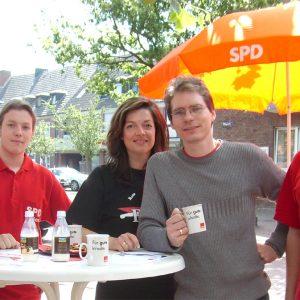 Gut gelaunte Genossen am Info-Stand: (.v.l.) Jürgen Noth, Kathrin Plotke, Olaf Plotke und Jürgen Horn.