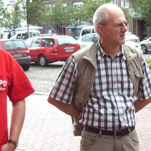Die SPD-Mitglieder im Gespräch mit Bürgern.