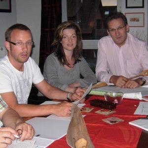 Die SPD sichtet die ersten Rezepte. (v.l.) Jürgen Horn, Michael Ingenbleek, Kathrin Plotke, Jörg Lorenz und Olaf Plotke.