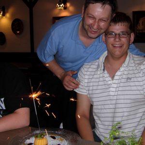 Robert Kehl gratuliert Carsten Otto zum 21. Geburtstag