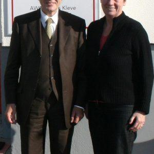 Die Bundestagsabgeordnete Dr. Barbara Hendricks mit dem Chef der Arbeitsagentur in Wesel, Dr. Peter Glück