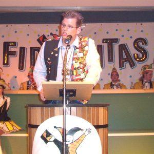 Carsten Otto als Büttenredner bei der Fidelitas Uedem.