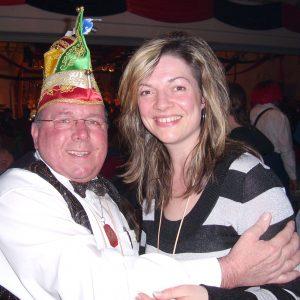 Karnevalsorden der Fidelitas für Bürgermeisterkandidatin Kathrin Plotke.