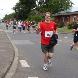 SPD-Chef Olaf Plotke lief beim 10-Km-Lauf mit und wurde 10. in seiner Altersklasse.