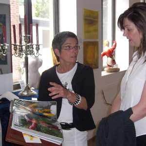 Bürgermeisterkandidatin Kathrin Plotke mit Renate Popp.