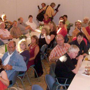 Mehr als 100 Besucher kamen ins Bürgerhaus und diskutierten eifrig mit.