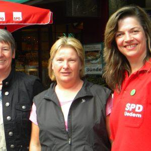 Mit Barbara Hendricks und Kathrin Plotke Die Gewinnerin der Berlinfahrt Christa Terlinden