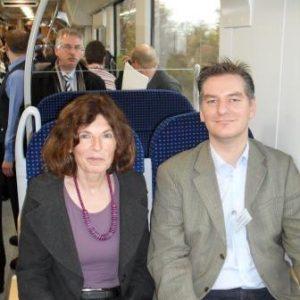Sigreid Eicker und Bodo Wißen an Bord des Niersexpress